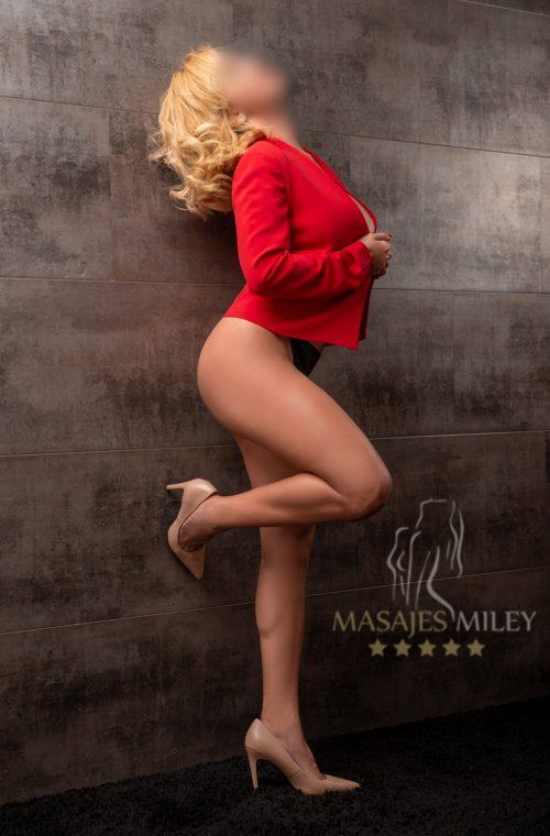 masajista-erotica-en-Valencia-Lara-de-lado