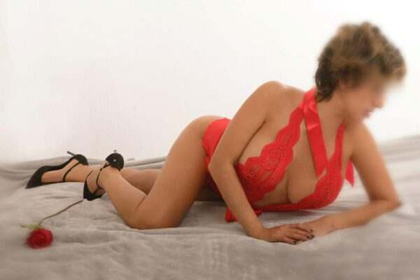 Lara-masajes eróticos valencia